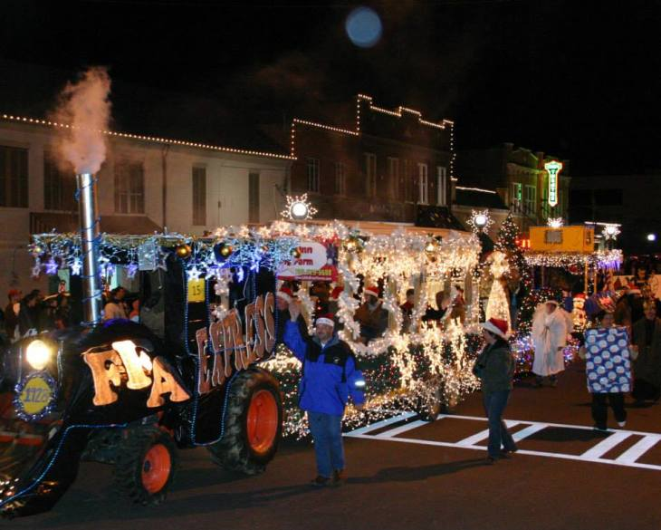 Christmas Parade - FFA Float